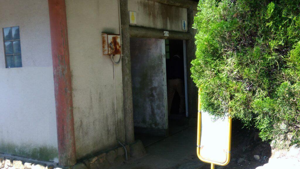 福岡で家族でキャンプ!初心者にもやさしい一本松キャンプ場のトイレ