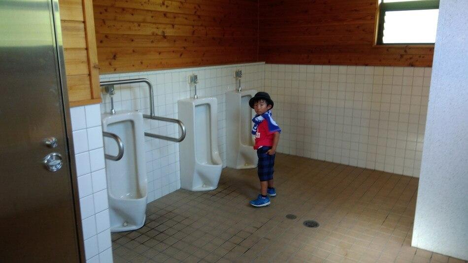 島根の菰沢オートキャンプのトイレ