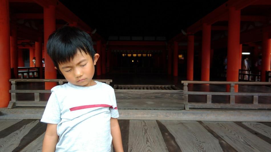 子供 疲れた 寝る 子育てブログ 厳島神社