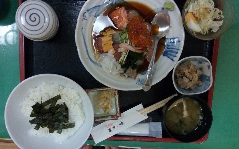 おすすめ海鮮丼 福岡海鮮市場