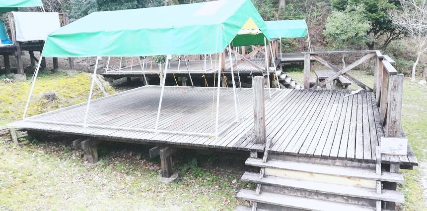 屋根付きテント デッキ
